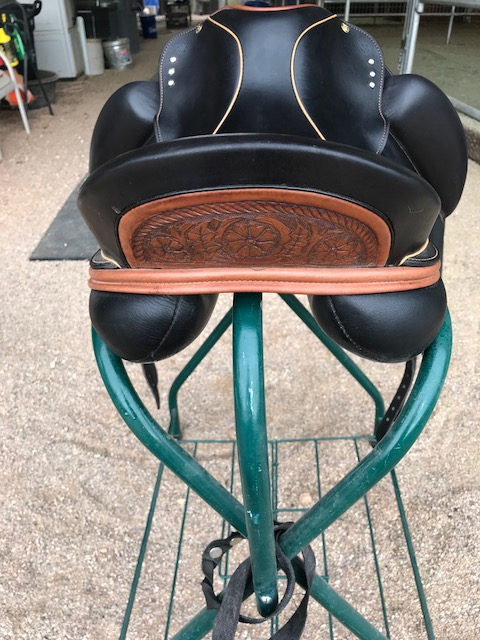 18.0 in seat dressage saddle