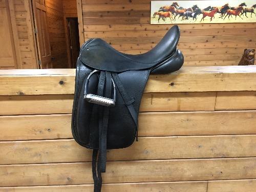 17.0 in seat dressage saddle